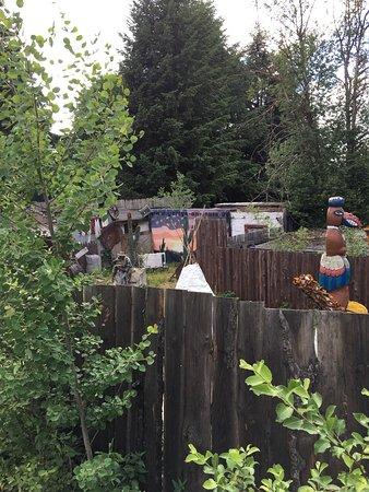 Dasing, Alemanha: Die Anlage hinter der Freilichtbühne in echt schlechten Zustand