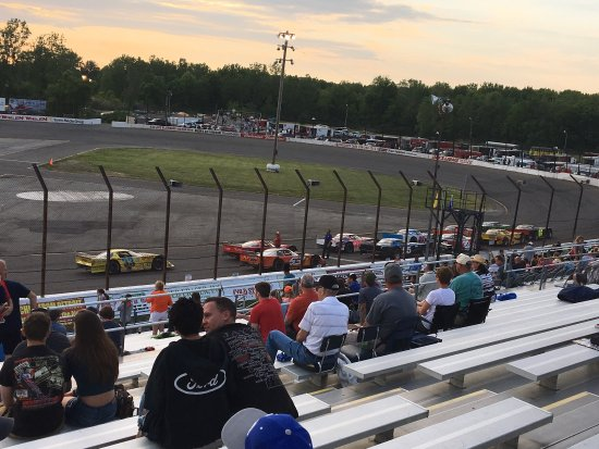Flat Rock, MI: Pictures of the different feature races