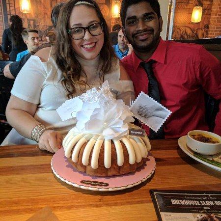 Denton, TX: The wedding cake was a hit!