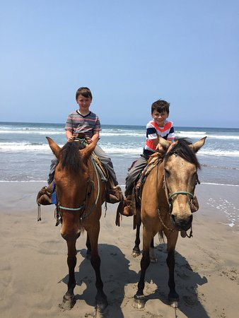 Isla de la Piedra, México: My 8 yr old boys with no experience.