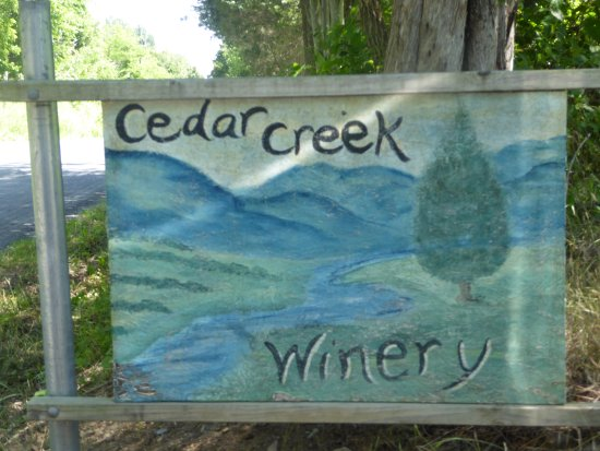Cedar Creek Winery: Sign