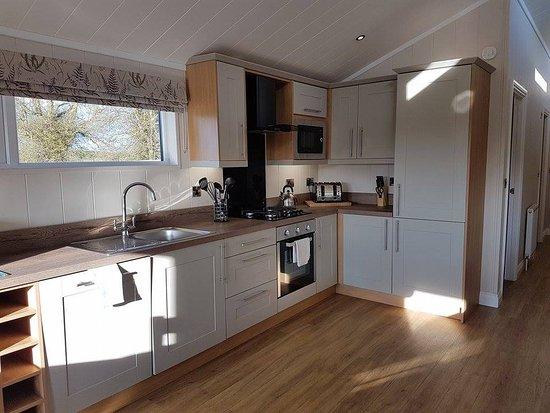 Gisburn, UK: Kitchen area