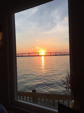 Stoney's Solomon's Pier : Enjoy, a beautiful sunset !🌞