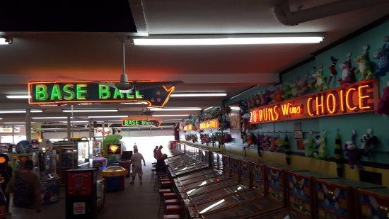 Fun Plaza: so big!!