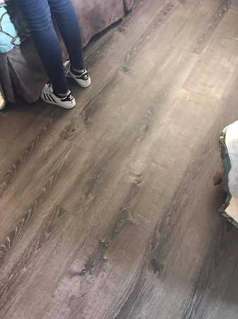 Evans Mills, Νέα Υόρκη: The flooring in my room--loved it