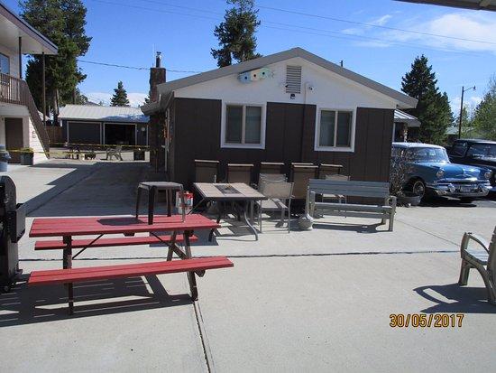 Lazy G Motel: Grillplatz