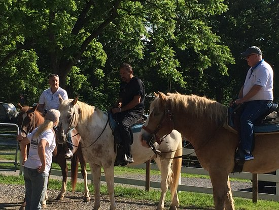 The National Riding Stable at Artillery Ridge Camping Resort: Staff provides a thorough pre-tour walk thru of tour highlights and safety procedures.Buckle up