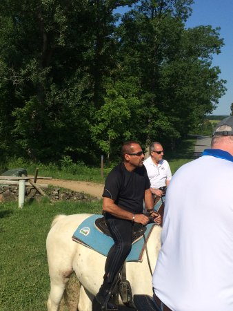 The National Riding Stable at Artillery Ridge Camping Resort: The wranglers of National Riding Stables were attentive and rode with us the entire trip.