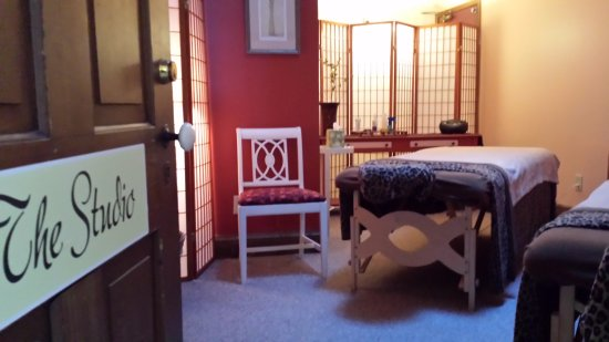 Farmers Guest House: Enjoy a massage in the Studio