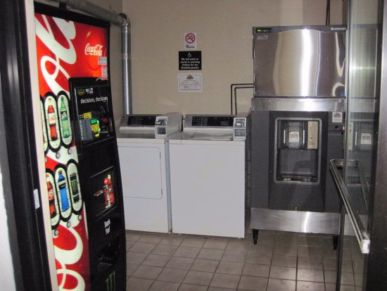 Petoskey, MI: guest washer, dryer, ice and vending machines