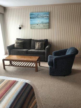 The Coachman Inn & Suites: Living room