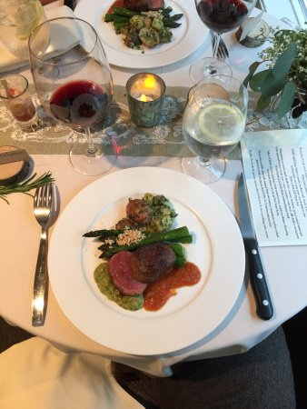 EVOO Cannon Beach Cooking School: Third course