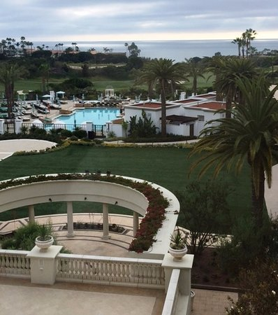 Dana Point, CA: View from the main level bar window overlooking the pool and coastline