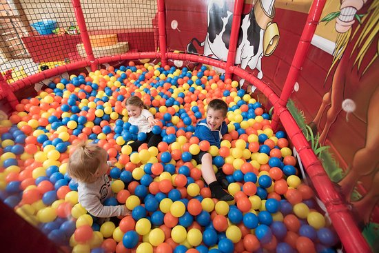 Kadina, Australia: Play Centre - Ball Pit