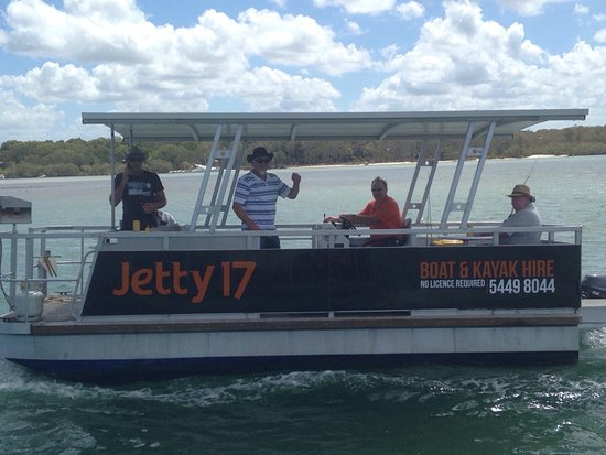 Noosaville, Australien: boys time out on the water