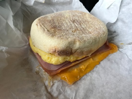 Эверетт, Вашингтон: The breakfast sandwich. Looks like something you'd get at Macdonalds.