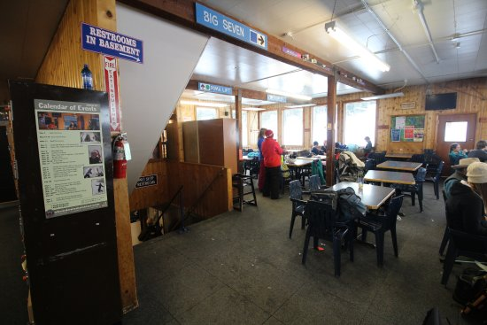 Showdown Ski Area: Inside of the lodge