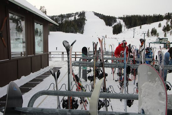 Showdown Ski Area: Ski racks outside