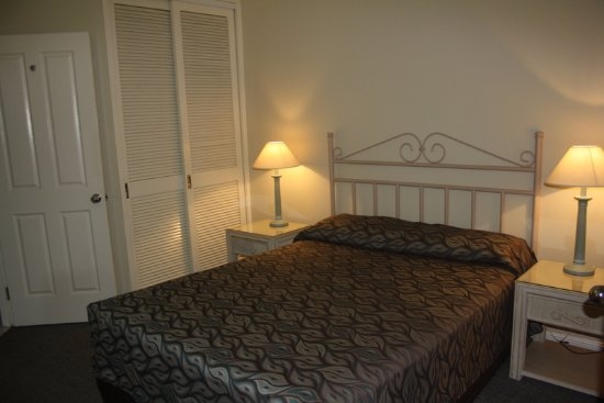 Il Palazzo Boutique Apartments Hotel: Queen sized bed in Bedroom