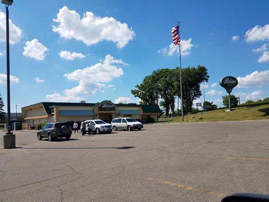 Detroit Lakes, MN: Hwy-59 View.
