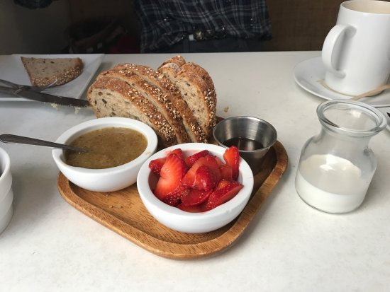 Solana Beach, Kaliforniya: Walnut Butter Plate
