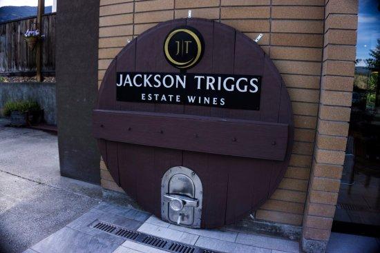 Jackson Triggs Okanagan Estate: Jackson-Triggs / Inniskillin