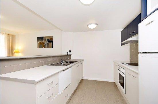 Quest Newcastle Apartments: Kitchen