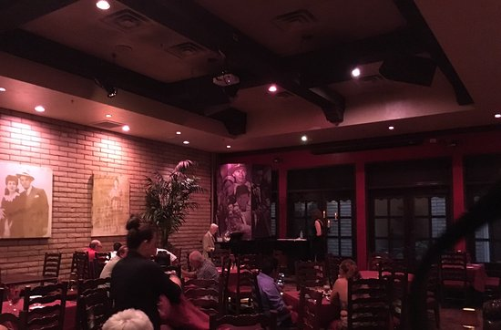 Bootlegger Bistro : Live music to set the tone throughout the restaurant.