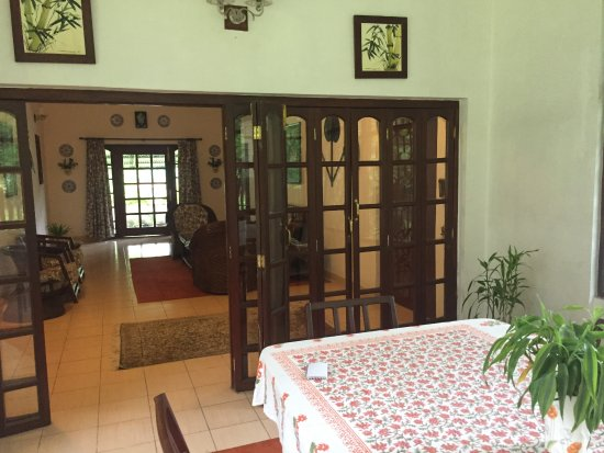 Balipara, India: dining room