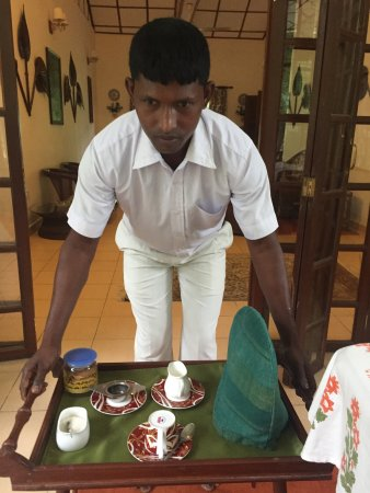 Balipara, India: morning tea served