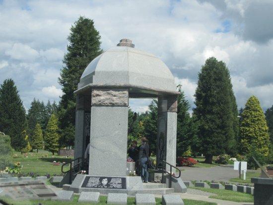 Greenwood Memorial Park Funeral Home: Jimi Hendrix Memorial, Greenwood Memorial Park, Renton, WA