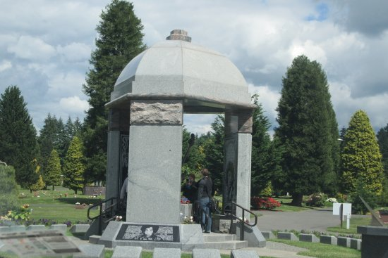 Jimi Hendrix Grave Site: Jimi Hendrix Memorial Grave Site, Greenwood Memorial Park, Renton<WA
