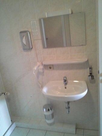 Buseck, Deutschland: Waschtisch im Badezimmer