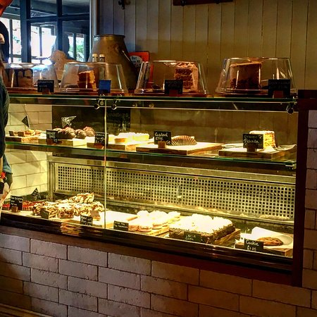 Beckington, UK: Delicious selection of fresh homemade cakes