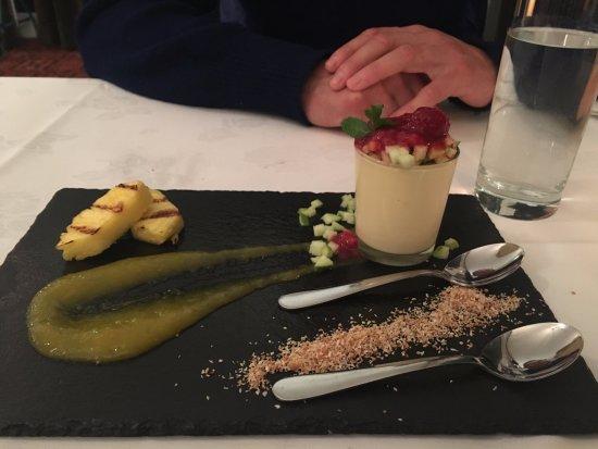 Isobel's Hanmer Springs Restaurant : Vanilla Panna Cotta With grilled pineapple, mango coulis and fresh seasonal fruit petit salad