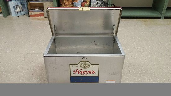 Dubuque, IA: Hamms Cooler