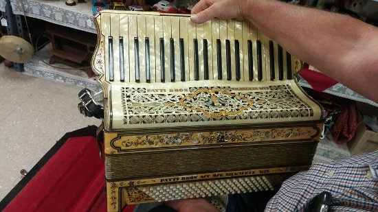 Dubuque, IA: Accordion
