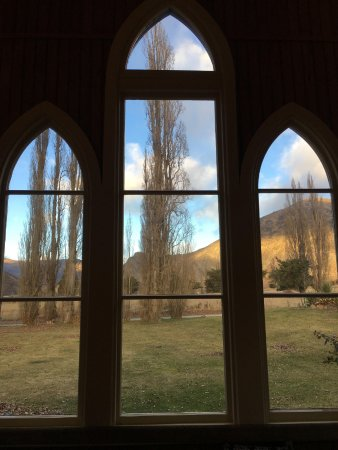Appellation Central Wine Tours: Looking out through the windows of Waitiri