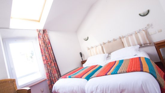 hotel le saint amant le palais france voir les tarifs. Black Bedroom Furniture Sets. Home Design Ideas