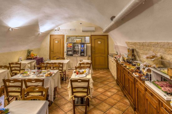 Relais Le Clarisse in Trastevere: Breakfast Room