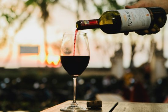 Rosso Vivo Dine & Lounge: Imported Wines Selections