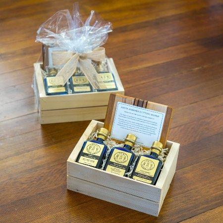 Ojai, Kalifornien: small gift boxes
