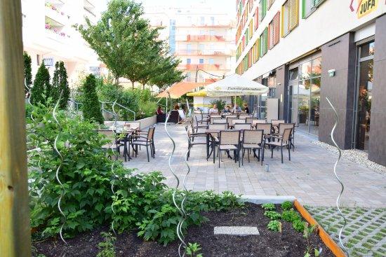 Terrasse Mit Garten Bild Von Jufa Hotel Wien City Wien