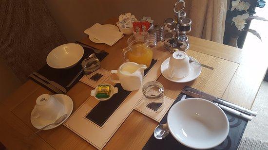Newbiggin-on-Lune, UK: Breakfast table for two