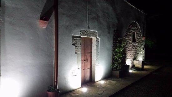 Illuminazione notturna picture of b b masseria costanza