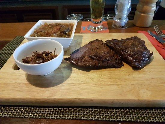 Brasserie du Port : Bavette avec confit d'échalotes et ratatouille