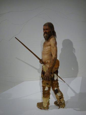 Museo arqueológico de Tirol del sur: Ötzi