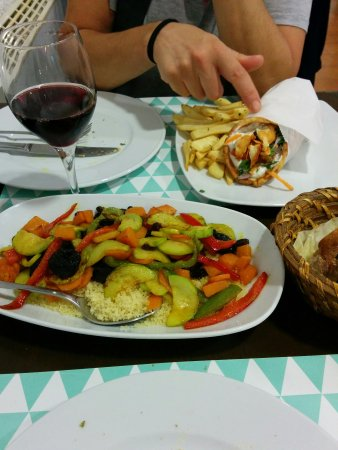 restaurante hellas en a coru a con cocina griega