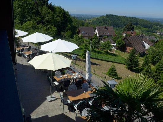 Buhl, Allemagne : Frühstück auf der Terrasse