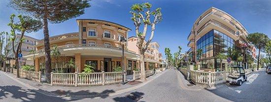 Hotel Mediterraneo Club Benessere: Panorama esterni